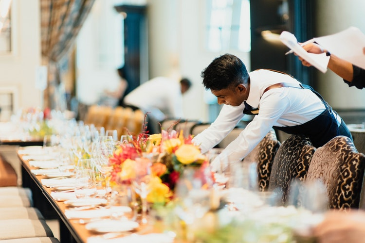 The Duties and Responsibilities of a Wedding Caterer