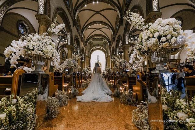 Jc Wedding Bride Waling Aisle