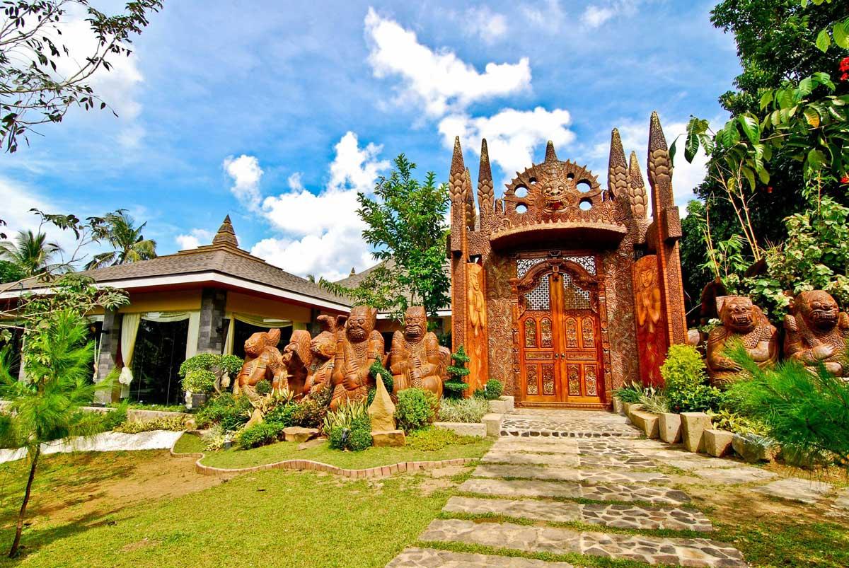 Bountiful Garden: Cintai Corito's Garden